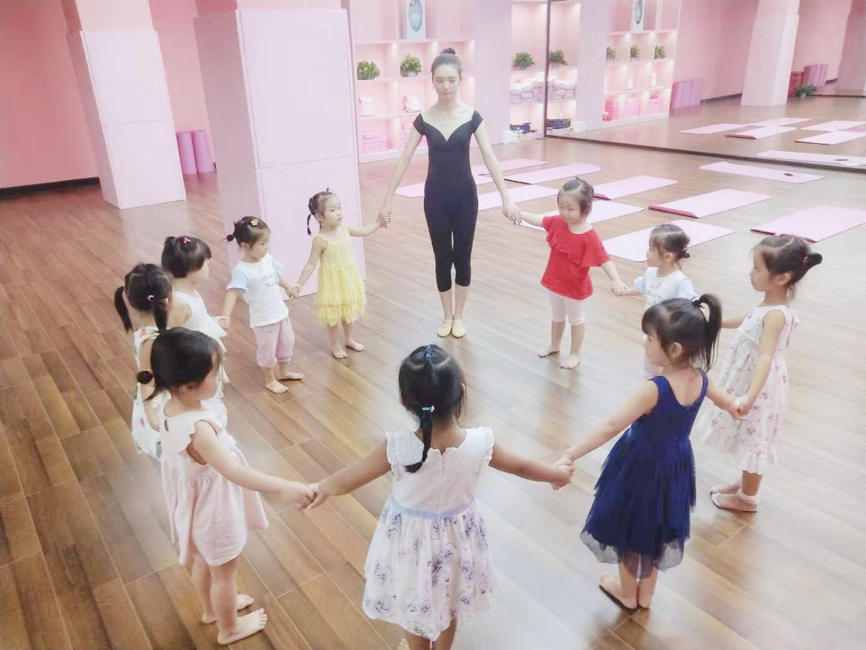 龙华区少儿中国舞考级班